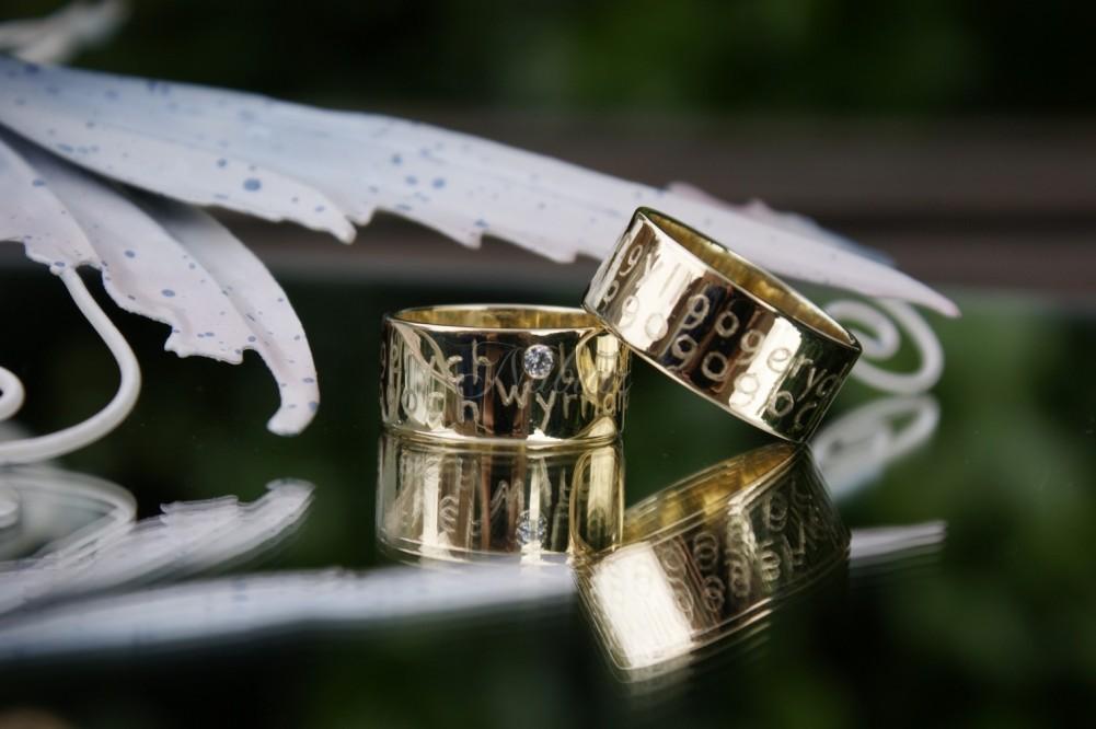 trouwringen van oud goud