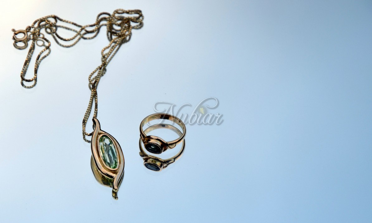 handgemaakte gouden sieraden