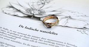 gouden ring met liefdesknoop
