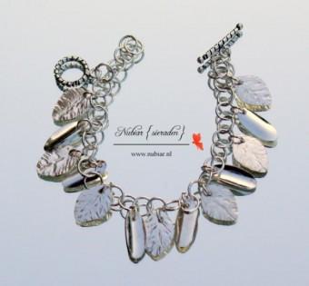 Zilveren armband met blaadjes