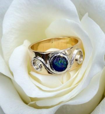 gouden ring met opaal nubiar