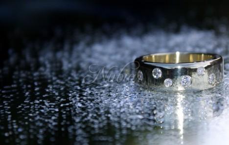gouden ring met sterrenhemel