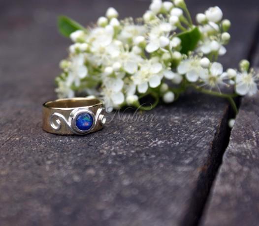 ring met opaal tiel