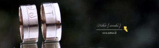 trouwringen-met-inscriptie-witgoud