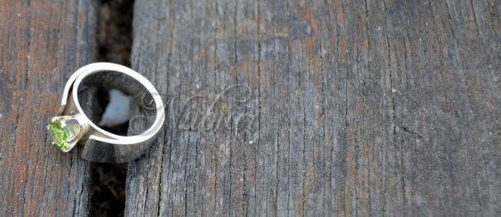 ring met olivijn