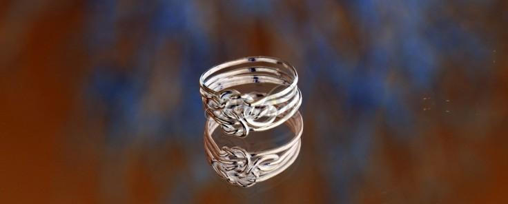 ring met  liedfesknoop