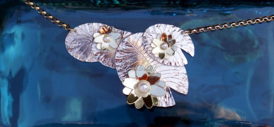 hanger bloem goud zilver